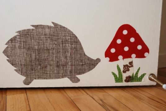 hedgehog-wall-decal