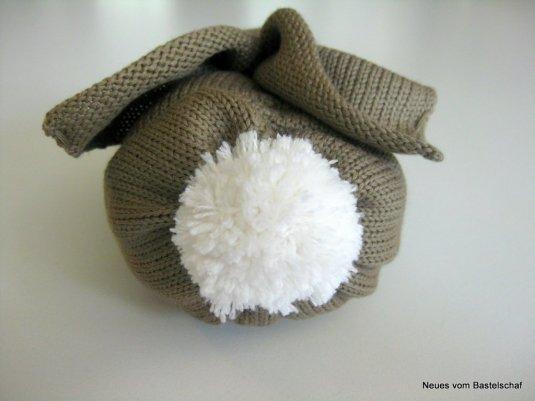 knit bunny pom pom