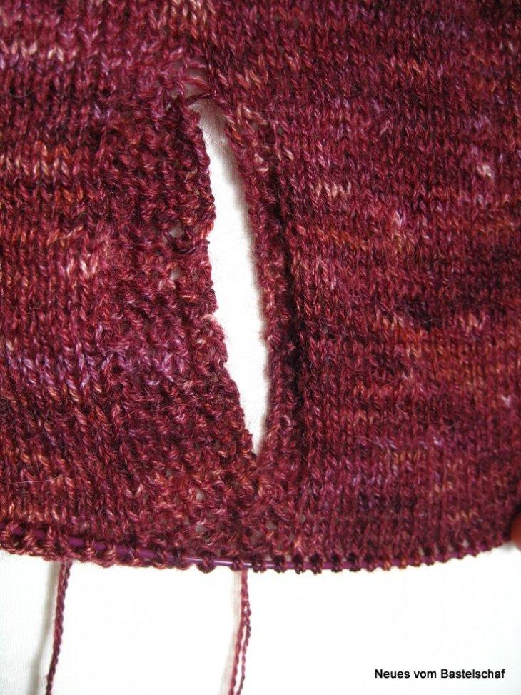 Taschen Detail Clarity Cardigan