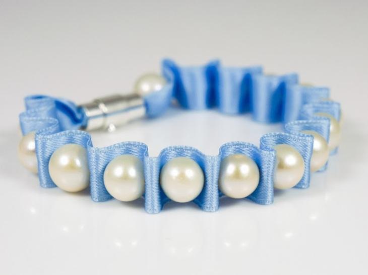 Perlenarmband selber machen Anleitung