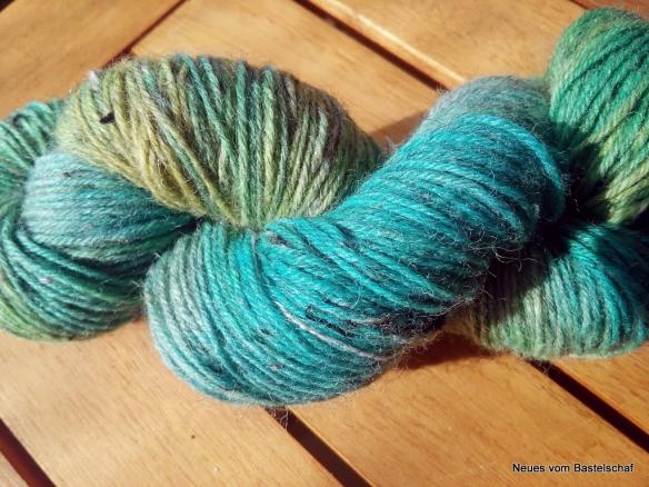 Wolle selber färben Lebensmittelfarbe