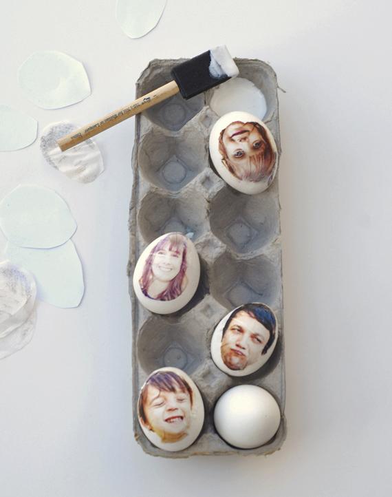 Foto auf Eier kleben Serviettentechnik Osterdeko