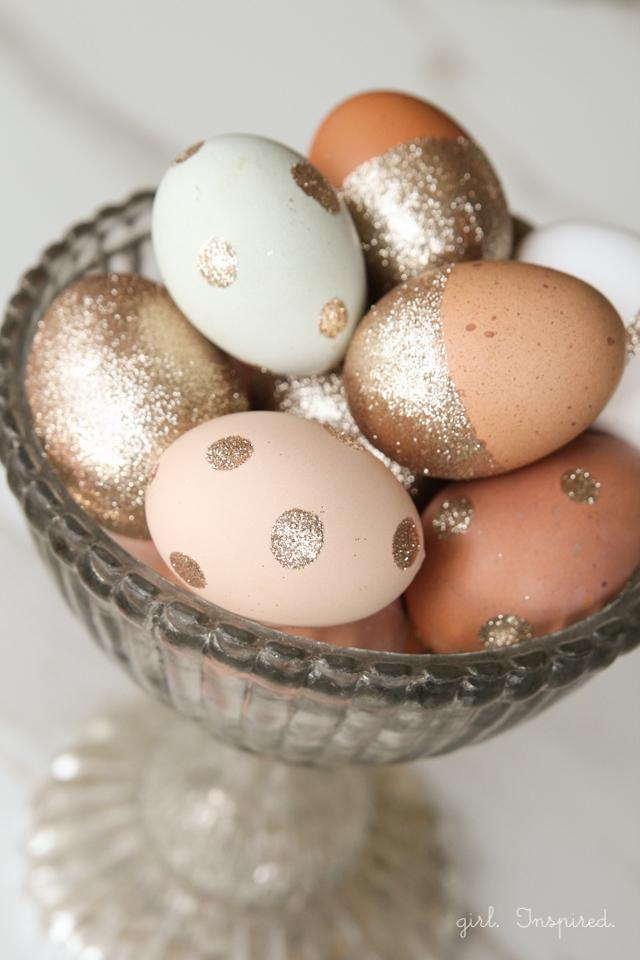 Eier bemalen Glitzer Glitter Osterdeko
