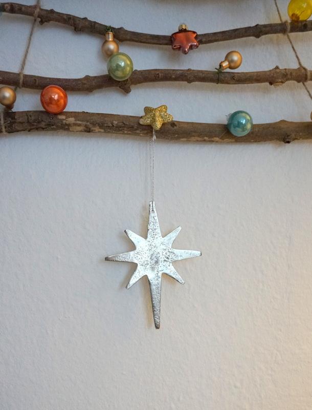 Bastel dir einen wiederverwendbaren weihnachtsbaum f r die wand neues vom bastelschaf - Weihnachtsbaum wand ...