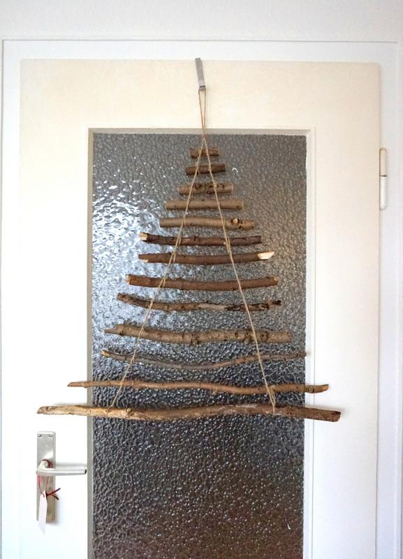 Weihnachtsbaum selber machen aus Ästen